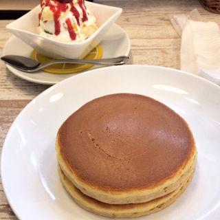 フルーツクリームホットケーキセット(フル フル 梅ヶ丘店)
