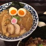 全部入り豚骨魚介らー麺