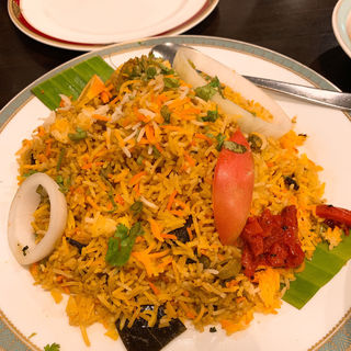 チキン ビリヤニ(カーンケバブビリヤニ (Khan kebab biryani))