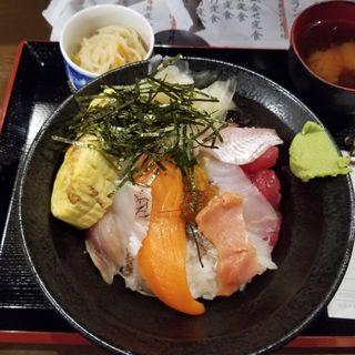海鮮丼(すしバルちこり)