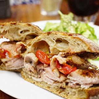 ローストポークのサンドイッチ(まちのパーラー )