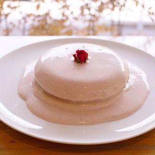 ローズストロベリーパンケーキ(パンケーキリストランテ)