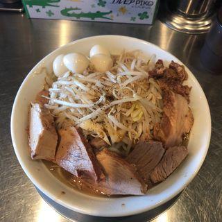 ラーメン 豚増し増し+ウズラ(ジロリアン 浮間店)