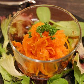 キャロットラペ(伊勢山の洋食と自然派ワイン パーラーペコペコ)