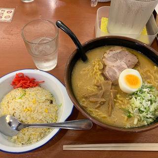 みそラーメン(三代目 月見軒 札幌駅北口店 (さんだいめ つきみけん))