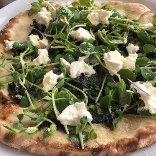 リコッタチーズと野菜のピッツァ