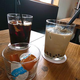 ほうじ茶タピオカミルクティー(BLUESTAR CAFE)