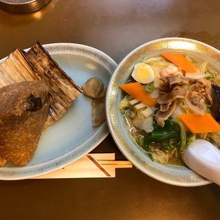 ビーフン(汁)小盛とバーツアン(ビーフン東 (ビーフンアズマ))