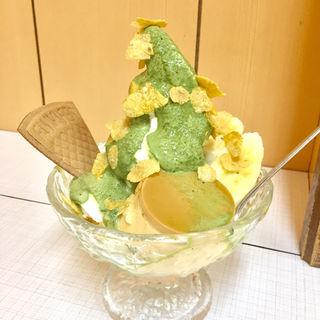 抹茶プリンサンデー(角屋)