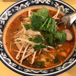 トムヤムクンラーメン(エビ入り中華麺)(ティーヌン・ダイニング 渋谷道玄坂店  (TINUN))