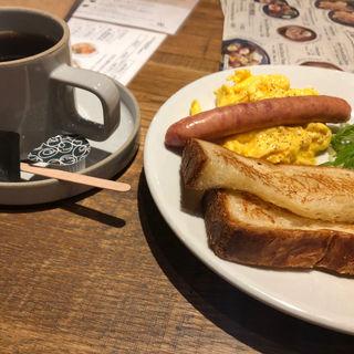 スクランブルエッグ&ソーセージ トーストセット