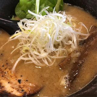 豚骨魚介特製ラーメン(戸みら伊 伊勢佐木モール店)