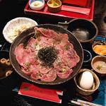 宮崎牛A5内ももの焼きしゃぶのせアローカナの卵かけご飯(肉2倍)