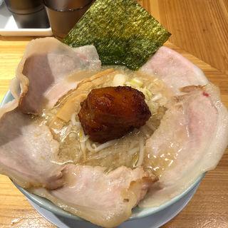 肉肉肉ラーメン(麺と出汁が絡むとき)