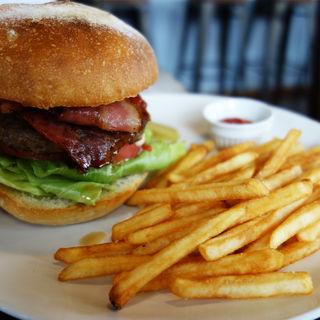 BLTハンバーガー(Tommy's Kitchen Hamburg&Cafe( トミーズキッチン ハンバーグアンドカフェ))