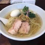塩生姜らー麺 味玉入り(塩生姜らー麺専門店 MANNISH (マニッシュ))