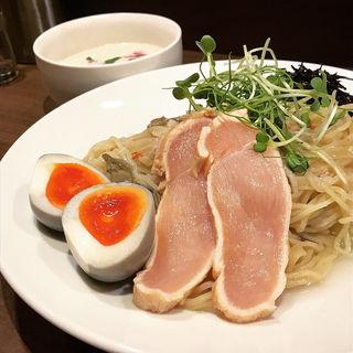 限定 冷製ズワイガニとじゅん菜の和風ビシソワーズつけ麺(八咫烏)