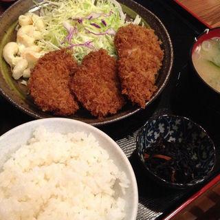 ヒレカツ定食(青新軒 )