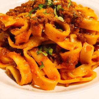 ボローニャ風タリアテッレ(イタリア料理アクアリオ)
