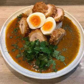 チキンカツ&ゆで卵&パクチーのカレー(カレーピーク (curry peak))
