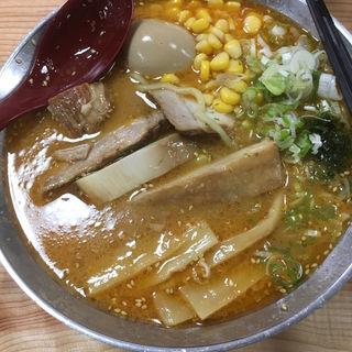 ごっつぉらーめん(麺屋 居間人)