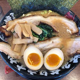 かぶりチャーシュー麺(横濱家系らぁめん 辻田家 石橋店)