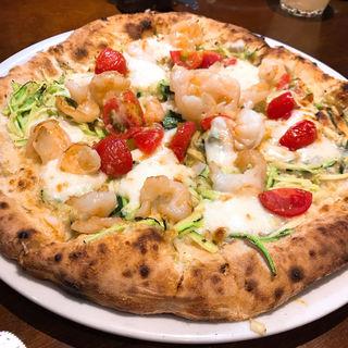 エビとズッキーニ、ミニトマト、バジルのビアンコ(ピッツェリア・エ・バール・レガーメ (Pizzeria e bar LEGAME))