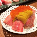 肉寿司 雲丹いくらかけ