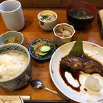 昼定食 煮魚(活魚料理ととや (かつぎょりょうり・ととや))