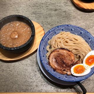 つけ麺(下品なぐらいダシのうまいラーメン屋)