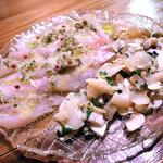 八角とつぶ貝のカルパッチョ