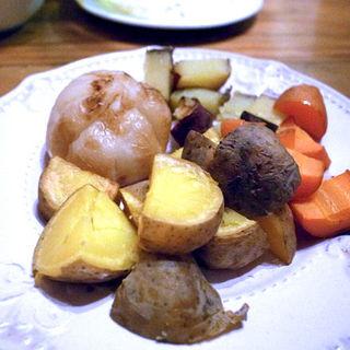 ローストした根菜盛り合せ(エゾットリア (EZOTTORIA))