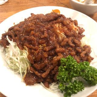 細切り牛肉とたっぷり生キャベツ(福新楼 (フクシンロウ))