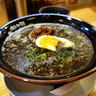 黒の担々麺