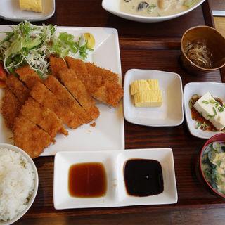 トンカツ定食ダブル(2枚300g)(今泉キッチン)