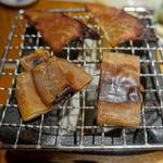 巻きぶりとイカ一夜干しの炙り焼き(江ノ島小屋)