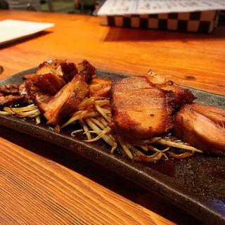 特製煮豚の炙り(M.E.S. Cafe & Bar)