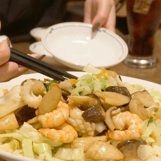 特製皿うどん(魚介類入り) (中国菜館 福新楼)