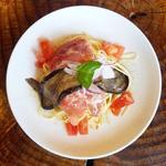 生ハムと茄子のアンチョビー風味マリネ入り冷製スパゲティ