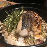 焼き鯖釜飯