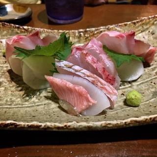 沖縄近海鮮魚の刺身盛り(旬菜処びいどろ)