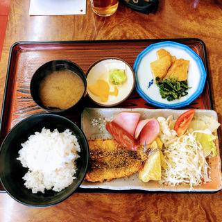 日替わり定食(イワシフライ)(あさひ食堂 )