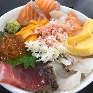 ビックリ海鮮丼(長谷川食堂 )