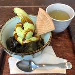 贅沢抹茶のわらび餅パフェ(黒蜜添え)抹茶入り緑茶セット