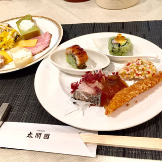抹茶酢飯の鰻バッテラ(淀川邸 (よどがわてい))