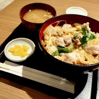 親子丼(鳥焼き・蕎麦・おでん 一重)