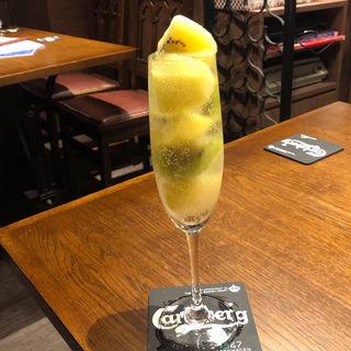 なみ盛りスパークリングワイン キウイ(Kame Bar 8 )