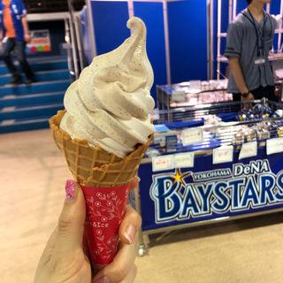 バニラ×コーヒーミックスソフトクリーム(横浜スタジアム (直営売店))
