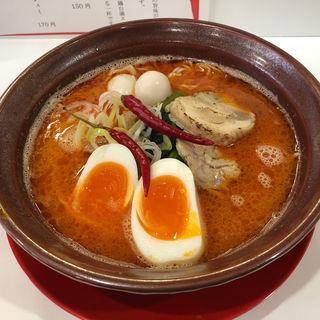 煮卵入り鶏白湯レッド(鶏白湯ラーメン絶好鳥)