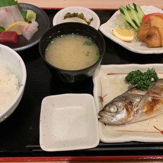 焼魚定食(重永鮮魚店 (しげながせんぎょてん))